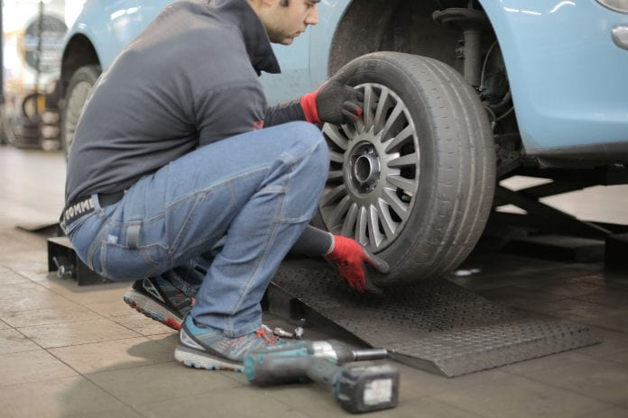 Tyre dealers and workshops urged not to fit parts without proof of purchase following looting in SA. Photo by Andrea Piacquadio from Pexels